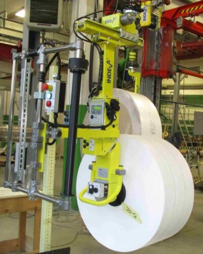 ERGONOMIC AND SAFE DEVICE FOR LIFTING AND TILTING REELS